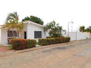 Casa En Ventaen Coro, Sector Independencia, Venezuela, VE RAH: 19-17057