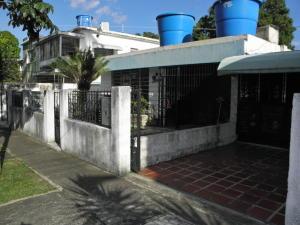 Casa En Ventaen Valencia, Avenida Bolivar Norte, Venezuela, VE RAH: 19-17094
