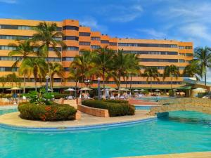 Apartamento En Ventaen Tucacas, Tucacas, Venezuela, VE RAH: 19-17180