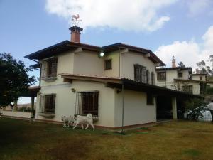Casa En Ventaen Los Teques, San Antonio, Venezuela, VE RAH: 19-17287