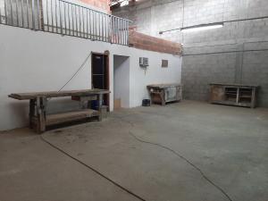 Galpon - Deposito En Alquileren Caracas, Baruta, Venezuela, VE RAH: 19-17290