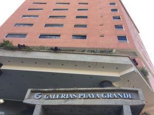 Apartamento En Alquileren Catia La Mar, Playa Grande, Venezuela, VE RAH: 19-17318
