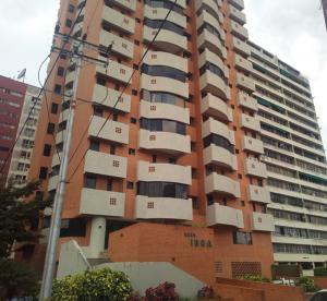 Apartamento En Ventaen Valencia, San Jose De Tarbes, Venezuela, VE RAH: 19-19084