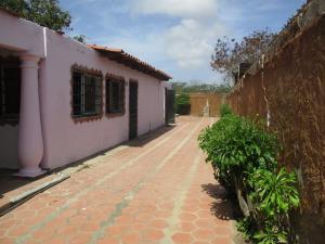 Casa En Ventaen Margarita, La Cruz Del Pastel, Venezuela, VE RAH: 19-17395