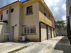 Casa En Ventaen Guatire, Contry Villas, Venezuela, VE RAH: 19-17398
