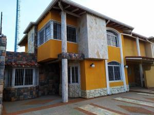 Townhouse En Ventaen Maracay, La Morita, Venezuela, VE RAH: 19-17983