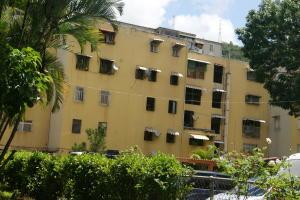 Apartamento En Ventaen Caracas, Caricuao, Venezuela, VE RAH: 19-17480
