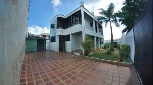 Casa En Ventaen Valencia, Prebo I, Venezuela, VE RAH: 20-229