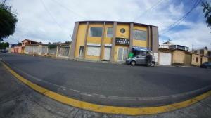 Local Comercial En Alquileren Cabudare, La Mata, Venezuela, VE RAH: 19-17561