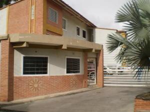 Apartamento En Ventaen Maracay, El Limon, Venezuela, VE RAH: 19-17583
