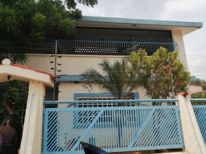 Casa En Alquileren Maracaibo, Avenida Milagro Norte, Venezuela, VE RAH: 19-17599