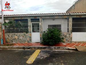 Casa En Ventaen Maracay, El Limon, Venezuela, VE RAH: 19-17655