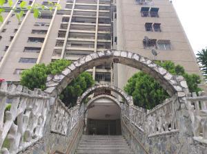 Apartamento En Ventaen Caracas, Caricuao, Venezuela, VE RAH: 19-17769