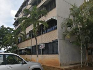 Apartamento En Ventaen Guarenas, Ciudad Casarapa, Venezuela, VE RAH: 19-18233