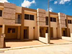 Casa En Ventaen Cabudare, Parroquia Cabudare, Venezuela, VE RAH: 19-17814