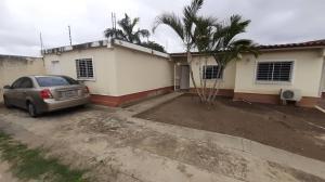 Casa En Ventaen Cabudare, Parroquia José Gregorio, Venezuela, VE RAH: 19-17816