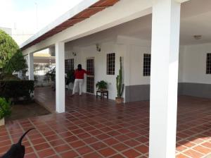 Casa En Ventaen Ciudad Ojeda, Avenida Vargas, Venezuela, VE RAH: 19-17897