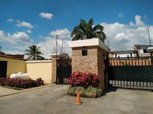 Apartamento En Ventaen Municipio Naguanagua, Los Guayabitos, Venezuela, VE RAH: 19-18122