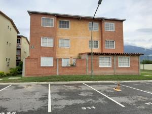 Apartamento En Ventaen Guatire, Alto Grande, Venezuela, VE RAH: 19-18162