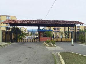 Apartamento En Ventaen Municipio Los Guayos, Paraparal, Venezuela, VE RAH: 19-18154