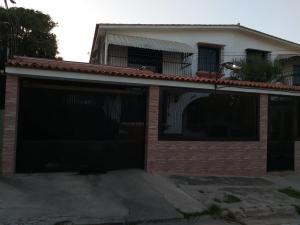 Casa En Ventaen Parroquia Caraballeda, Los Corales, Venezuela, VE RAH: 20-9397