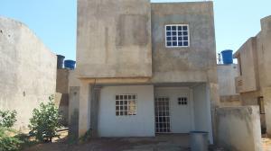 Townhouse En Ventaen Punto Fijo, Pedro Manuel Arcaya, Venezuela, VE RAH: 19-18281