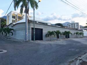 Casa En Ventaen Parroquia Caraballeda, Palmar Este, Venezuela, VE RAH: 19-18297