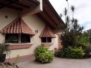 Casa En Ventaen Turmero, Parque Residencial Don Juan, Venezuela, VE RAH: 19-19413