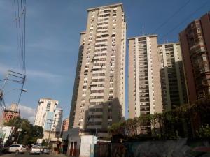 Apartamento En Ventaen Maracay, Avenida Constitucion, Venezuela, VE RAH: 19-18346