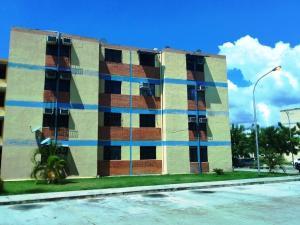 Apartamento En Ventaen Municipio Los Guayos, Paraparal, Venezuela, VE RAH: 19-18356