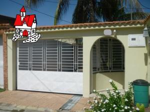 Casa En Ventaen Turmero, Villas Paraiso, Venezuela, VE RAH: 19-18388