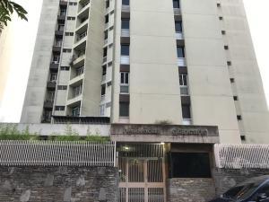 Apartamento En Ventaen Caracas, Lomas De Prados Del Este, Venezuela, VE RAH: 19-18456