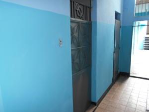 Galpon - Deposito En Alquileren Caracas, Parroquia San Jose, Venezuela, VE RAH: 19-18449