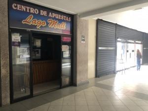 Local Comercial En Alquileren Maracaibo, Avenida El Milagro, Venezuela, VE RAH: 19-16522