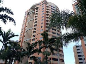 Apartamento En Ventaen Valencia, Valle Blanco, Venezuela, VE RAH: 19-18543