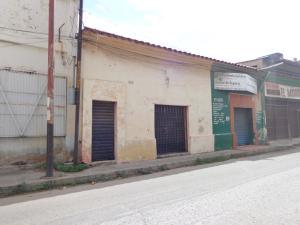 Local Comercial En Ventaen Valencia, La Candelaria, Venezuela, VE RAH: 19-18517