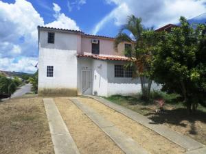 Casa En Ventaen Cua, Las Brisas, Venezuela, VE RAH: 19-18519