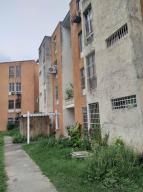 Apartamento En Ventaen Turmero, La Fuente, Venezuela, VE RAH: 19-18552