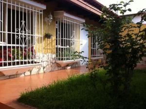 Casa En Ventaen Caracas, Los Naranjos Del Cafetal, Venezuela, VE RAH: 19-18636