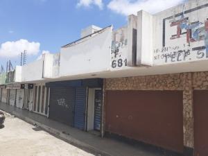 Local Comercial En Ventaen Maracaibo, Avenida Goajira, Venezuela, VE RAH: 19-18659