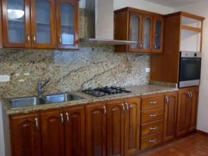 Apartamento En Ventaen Maracaibo, Valle Claro, Venezuela, VE RAH: 19-18669