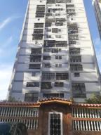 Apartamento En Ventaen Caracas, Caricuao, Venezuela, VE RAH: 19-18755