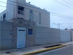 Apartamento En Ventaen Maracaibo, Santa Maria, Venezuela, VE RAH: 19-18754