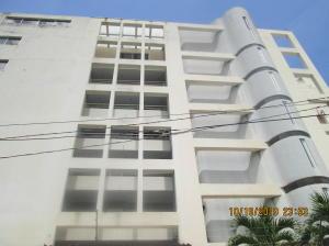 Apartamento En Ventaen Parroquia Caraballeda, Los Corales, Venezuela, VE RAH: 19-19545