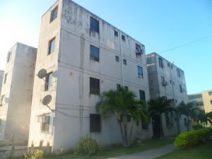 Apartamento En Ventaen Municipio Los Guayos, Buenaventura, Venezuela, VE RAH: 19-18788