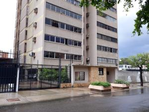 Apartamento En Ventaen Maracaibo, Indio Mara, Venezuela, VE RAH: 19-18813