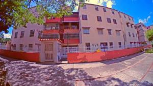 Apartamento En Ventaen Guarenas, Los Naranjos, Venezuela, VE RAH: 19-18824
