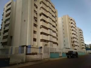 Apartamento En Ventaen Puerto La Cruz, Puerto La Cruz, Venezuela, VE RAH: 19-18816