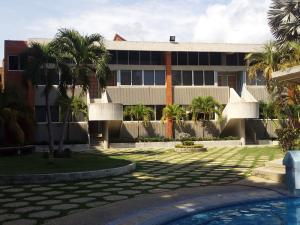 Townhouse En Ventaen Tucacas, Tucacas, Venezuela, VE RAH: 19-19668