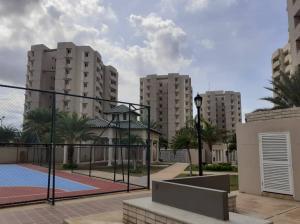 Apartamento En Ventaen Maracaibo, El Milagro Norte, Venezuela, VE RAH: 19-19096